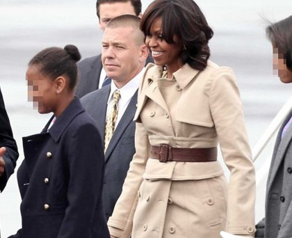 Michelle Obama trench Burberry