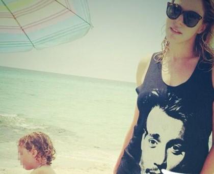 Claudia Gerini tshirt JohnnyDepp