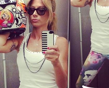 Maddalena Corvaglia maglia Imperfect jeggins Met occhiali Ray-Ban