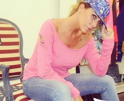 Guendalina Canessa felpa Hangover rosa cappellino Shop*Art
