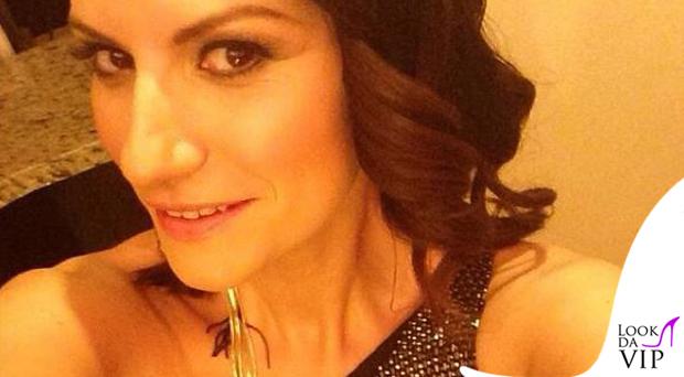 Laura Pausini abito Armani gioielli Iosselliani 3