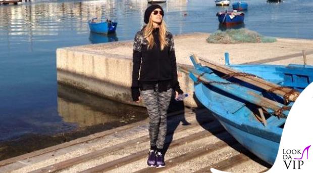 Elena Santarelli leggings Nike scarpe Nike