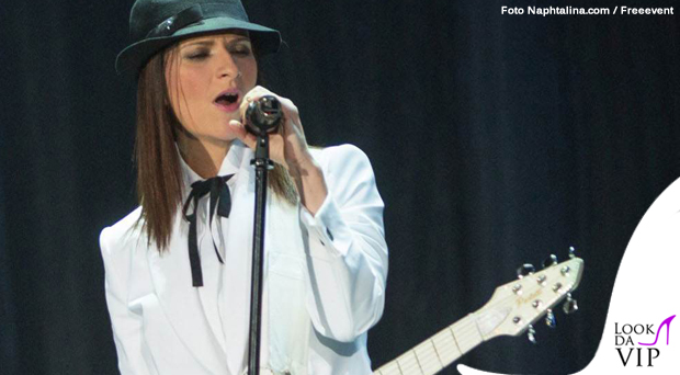 Laura Pausini tour abiti Armani 4