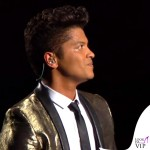 Bruno Mars Super Bowl giacca Yves Saint Laurent