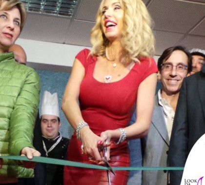 Valeria Marini Sanremo abito Seduzioni Diamonds
