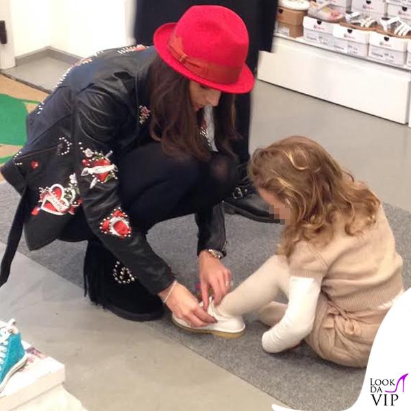 Cristina De Pin chiodo e stivali Mia Bag cappello Borsalino borsa Sicily Dolce&Gabbana 3
