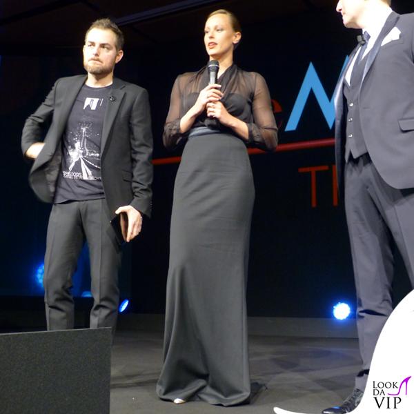 Federica Pellegrini theMicam camicia Armani gonna Dsquared2 scarpe clutch Le Silla 2