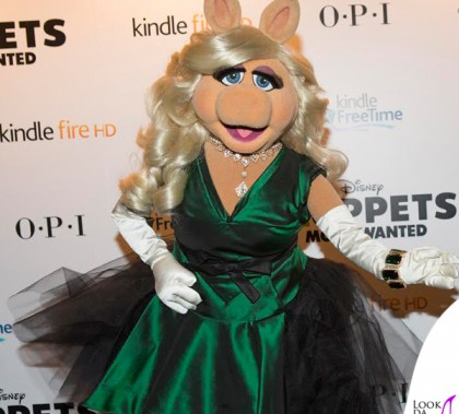 Muppets Most Wanted Miss Piggy abito Vivienne Westwood