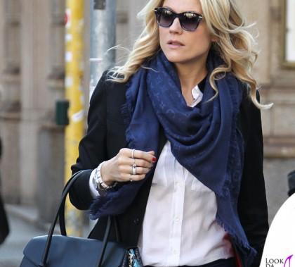 Natasha Stefanenko borsa Rider Bag Trussardi scialle Louis Vuitton bracciale iShu