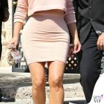 Kim Kardashian abito e sandali Alaia dolcevita Kardashian Kollection clutch Dolce&Gabbana 2