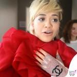 Rita Ora I Will Never Let You Down guanti Chanel