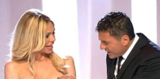 Ilary Blasi Le Iene top e gonna Frankie Morello décolleté Casadei Barbarella Blade 5