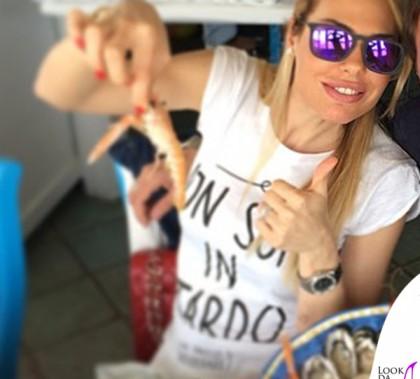 Ilary Blasi tshirt Happiness