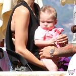 Daniele De Rossi Olivia De Rossi passeggino Bugaboo Cameleon3 bikini HM 3