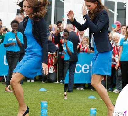 Kate Middleton abito Stella McCartney giacca Smythe zeppe Stuart Weitzman gioielli Cartier Asprey Kiki McDonough 4