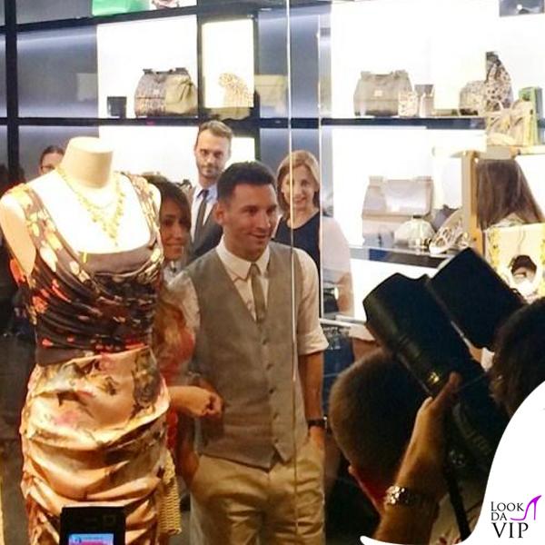 Lionel Messi Antonella Roccuzzo abito borsa Dolce e Gabbana 5
