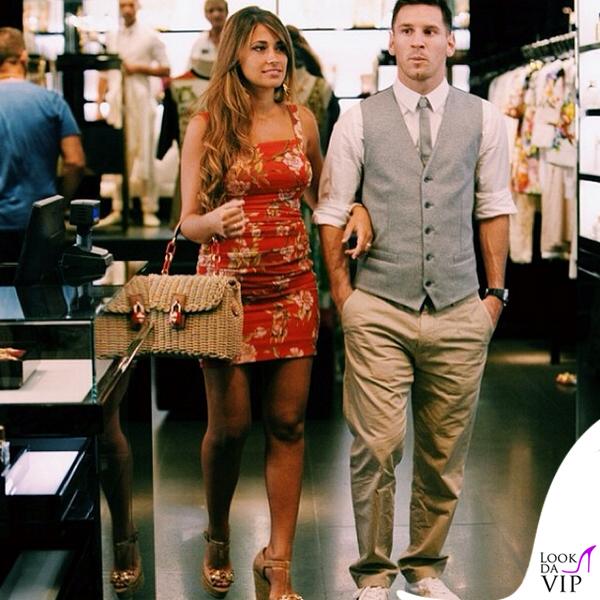 Lionel Messi Antonella Roccuzzo abito borsa Dolce e Gabbana