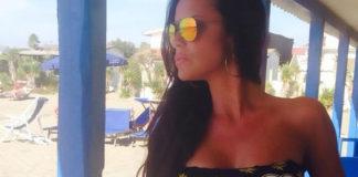 Antonella Mosetti bikini top Mia Bag slip Tezuk borsa Balenciaga City 4