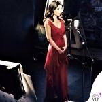 Laura Pausini The Voice abito Alberta Ferretti scarpe Alberto Moretti 2