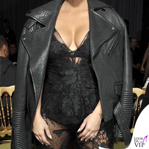 Kim Kardashian total Givenchy 2