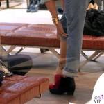 Belen Rodriguez giacca Caban Romantic jeans Levis borsa Celine 5