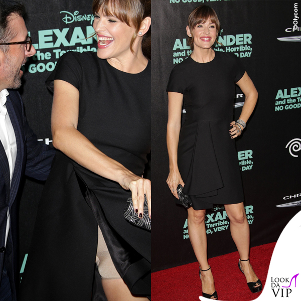 Jennifer Garner abito Valentino scarpe Jimmy Choo clutch Oscar de la Renta gioielli Neil Lane