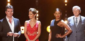 Mel B X Factor Uk abito Versus sandali Burberry