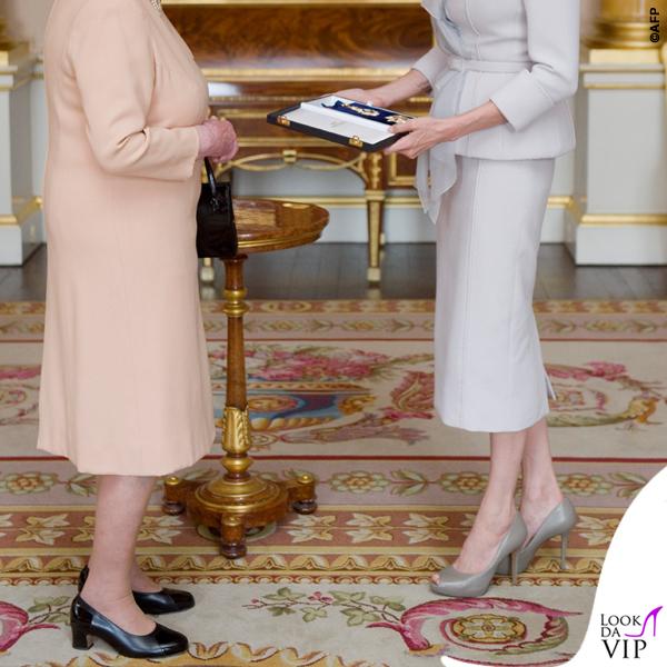 separation shoes 6dbbc da55e Regina Elisabetta Angelina Jolie giacca gonna Ralph & Russo ...