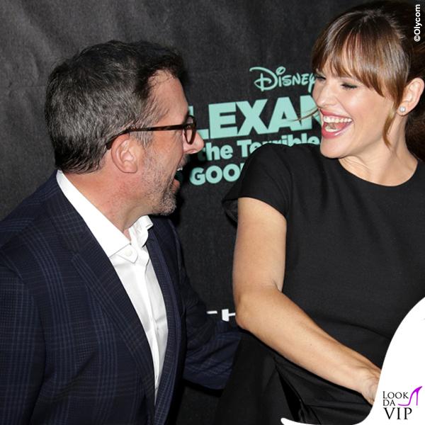 Steve Carrel Jennifer Garner abito Valentino scarpe Jimmy Choo clutch Oscar de la Renta gioielli Neil Lane 3