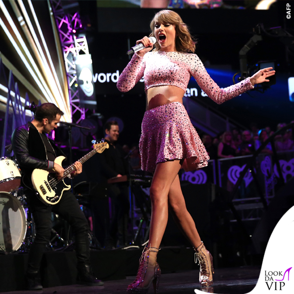 Taylor Swift total Jessica Jones 6