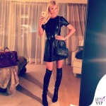 Victoria Silvstedt abito Zara stivali Jimmy Choo