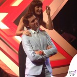 X-Factor Mika abito Walter Van Beirendonck scarpe Louboutin Victoria Cabello 2