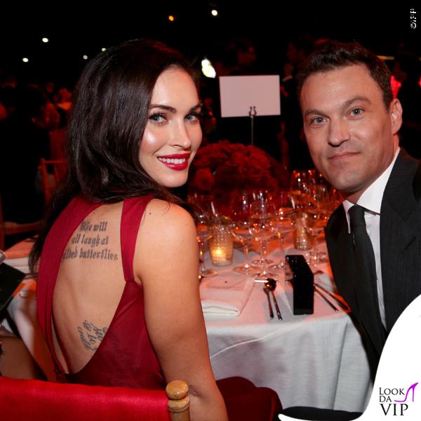 Megan Fox Ferrari abito Versace clutch Edie Parker 9