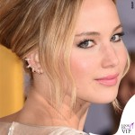 Jennifer Lawrence Hunger Games abito Dior scarpe Aquazzurra gioielli Anita Ko Vita Fede clutch Roger Vivier 2