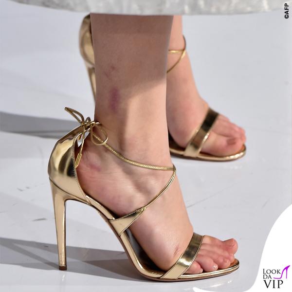 Jennifer Lawrence Hunger Games abito Dior scarpe Aquazzurra gioielli Anita Ko Vita Fede clutch Roger Vivier 4