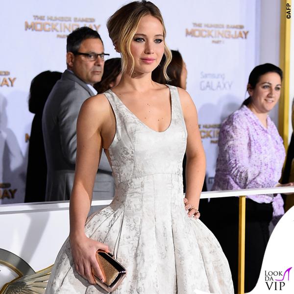 Jennifer Lawrence Hunger Games abito Dior scarpe Aquazzurra gioielli Anita Ko Vita Fede clutch Roger Vivier 6