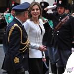 Letizia Ortiz Roma abito giacca pochette Felipe Varela 4