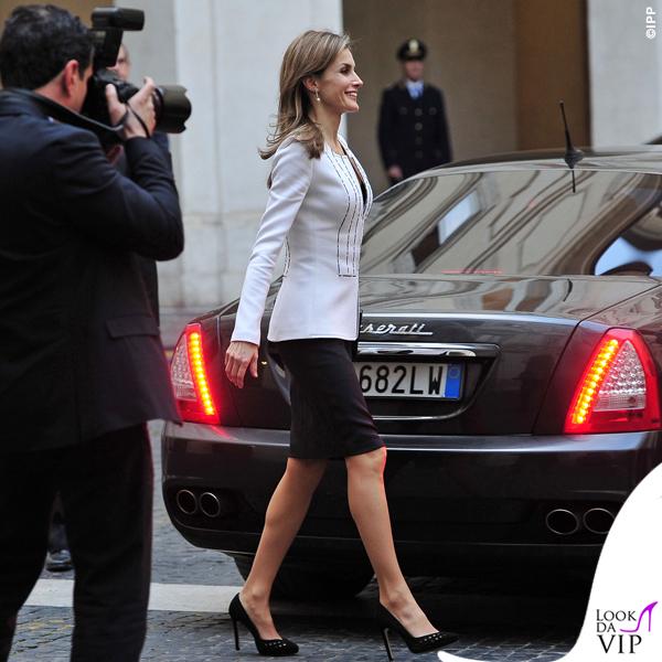 Letizia Ortiz Roma abito giacca pochette Felipe Varela