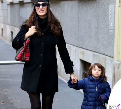Marica Pellegrinelli borsa stivali Cesare Paciotti occhiali da sole Italia Independent Raffaela Maria Ramazzotti