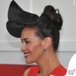 Megan Gale Melbourne Cup abito Victoria Beckham clutch Bulgari anello Canturi 5