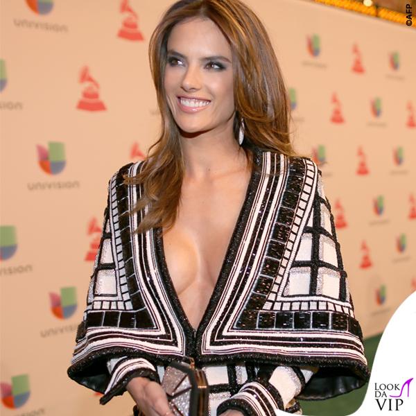 Alessandra Ambrosio Latin Grammy abito Balmain 3