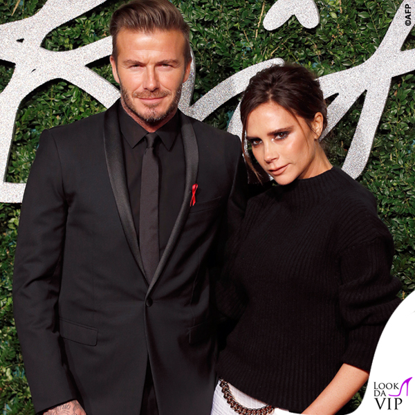 British Fashion Awards David Beckham abito Dior Victoria Beckham maglione gonna Victoria Beckham scarpe Manolo Blanik