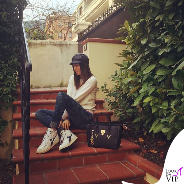 Elisabetta Gregoraci borsa V73 scarpe Diadora 2