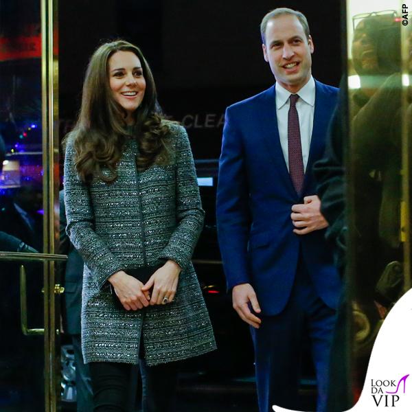 Kate Middleton New York cappottoTory Burch Bettina grigio 3