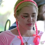 Miley Cyrus maglietta capezzoli 7