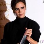 Victoria Beckham British Fashion Awards maglione gonna Victoria Beckham scarpe Manolo Blanik 2