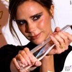Victoria Beckham British Fashion Awards maglione gonna Victoria Beckham scarpe Manolo Blanik 4