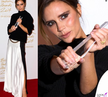 Victoria Beckham British Fashion Awards maglione gonna Victoria Beckham scarpe Manolo Blanik