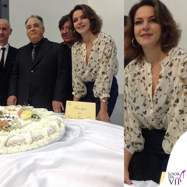 Claudia Gerini Romasposa camicia jeans Hebe Studio 5