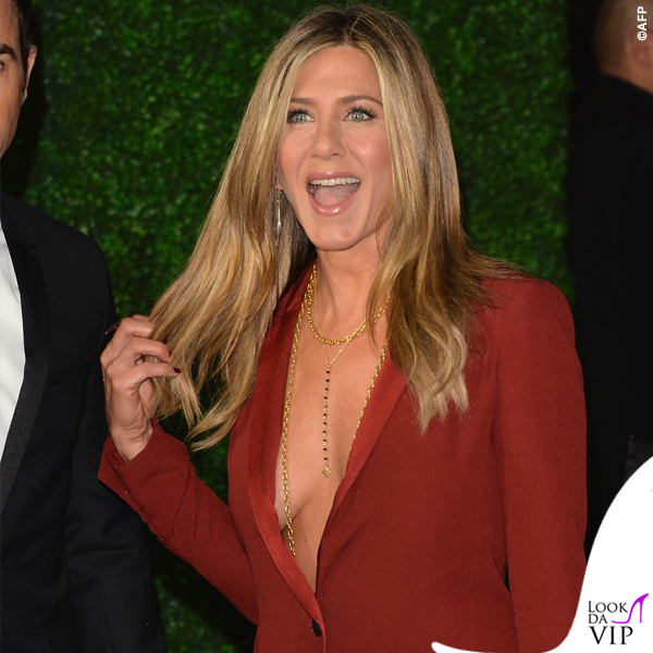 Jennifer Aniston Critics' Choice Awards tailleur Gucci 5